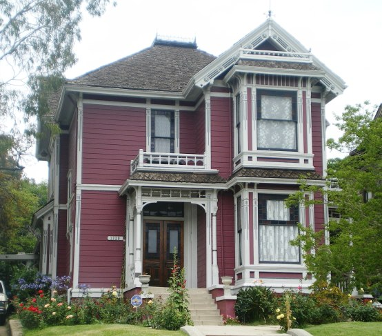 House_at_1329_Carroll_Ave.,_Los_Angeles_(Charmed_House)